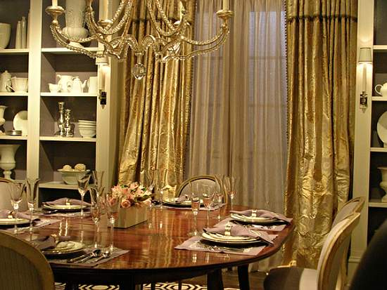 Image of: Dining Room Decor with Old World Style