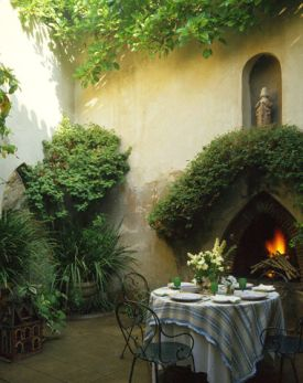 Image of: French Country Garden Style