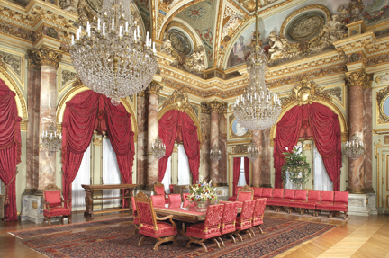 Image of: Red Victorian Dining Room
