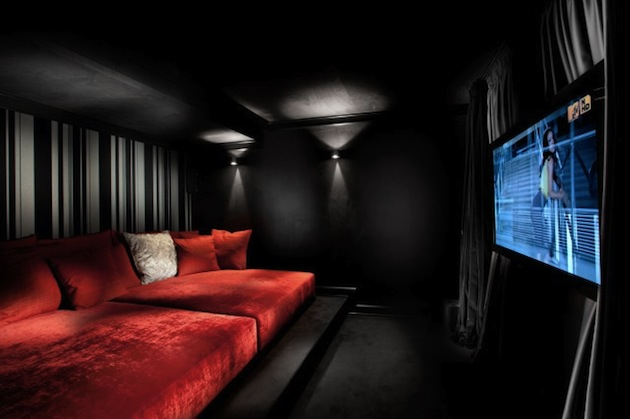 Image of: SMALL SCALE HOME THEATER ROOM