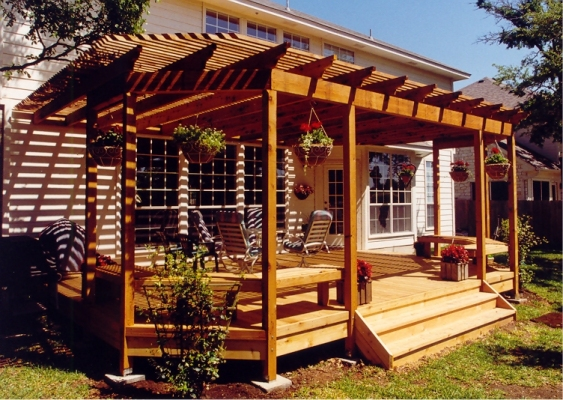 Image of: Small Backyard Deck Idea