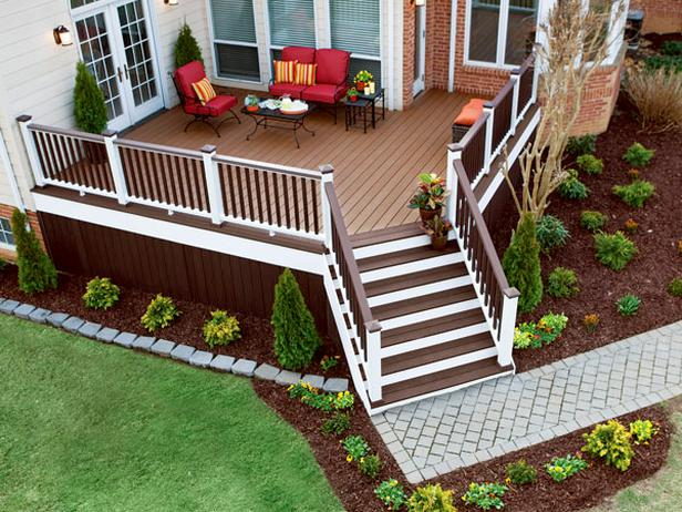 Image of: Small Deck Decorating Idea