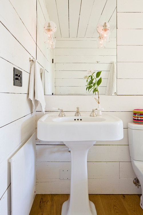 Image of: Tiny Contemporary Bathroom