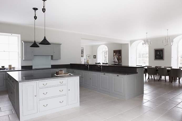 Image of: White and Grey Kitchen