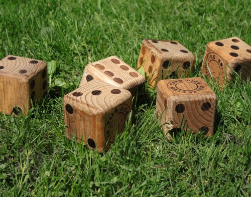Image of: Wooden Yard Dice for Ornament