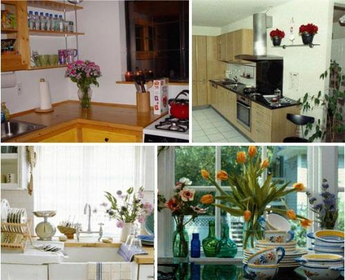 Image of: Flower Decorations in Kitchen