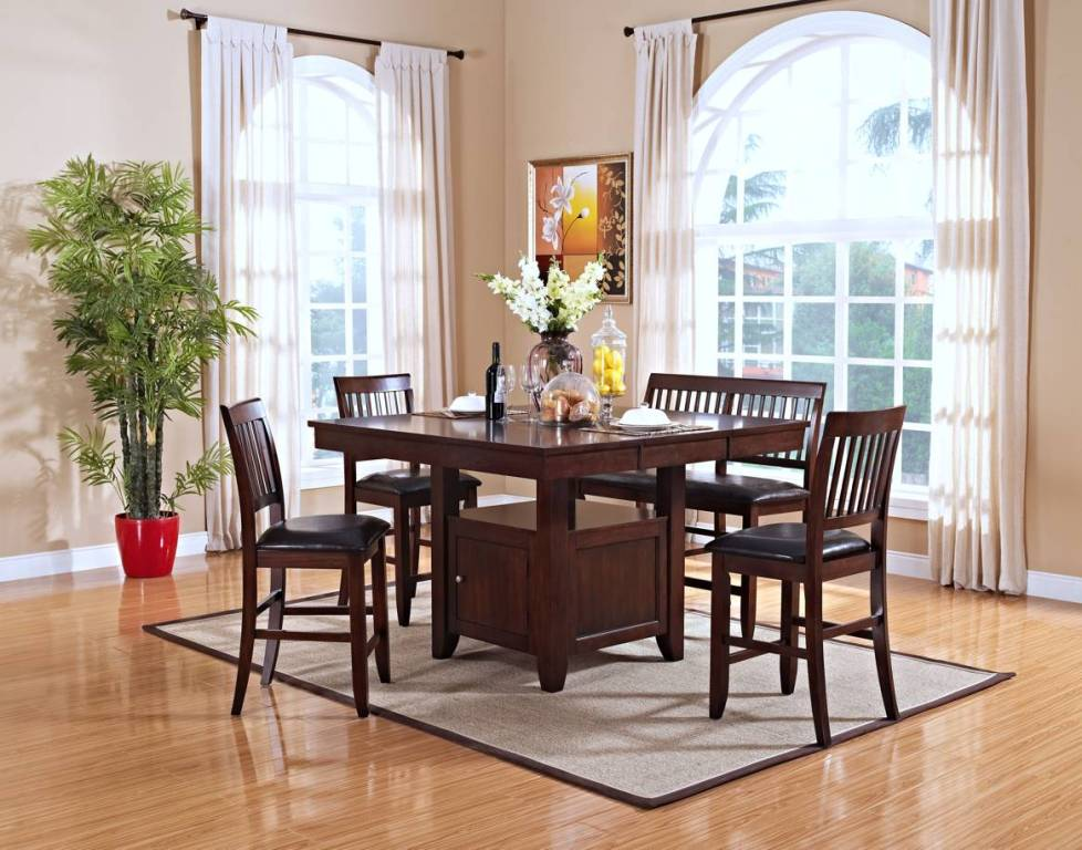 Image of: Classic Dining Room Furniture