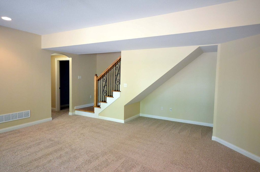 Image of: 10 Things Space Under The Stairs