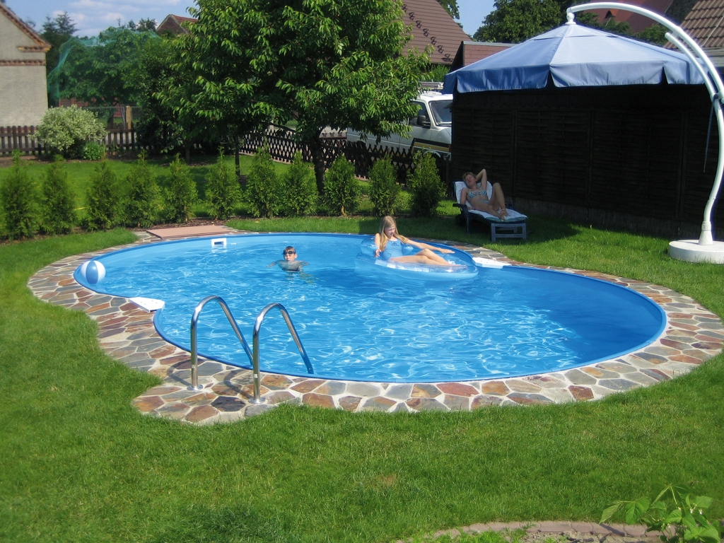Image of: Backyard Swimming Pool Accessories
