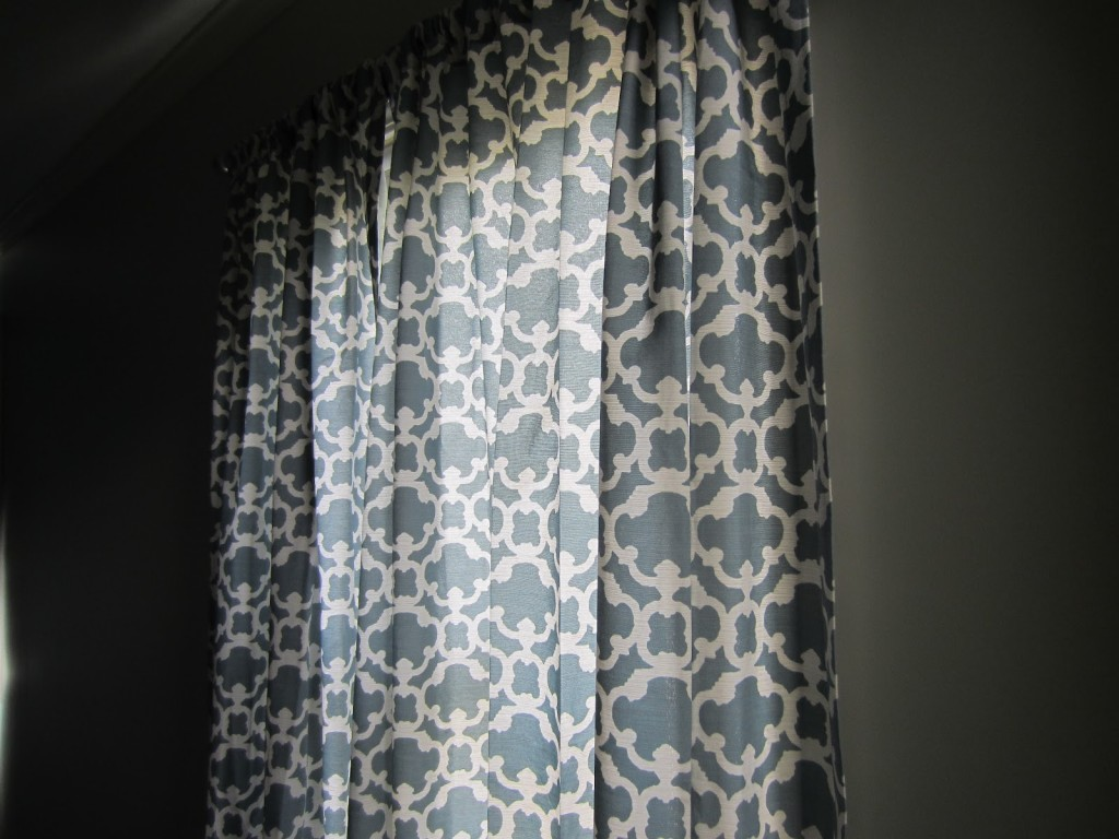 Image of: Black White And Green Curtains