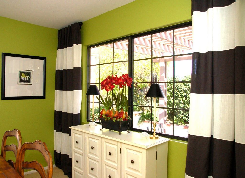 Image of: Bright Green And White Curtains
