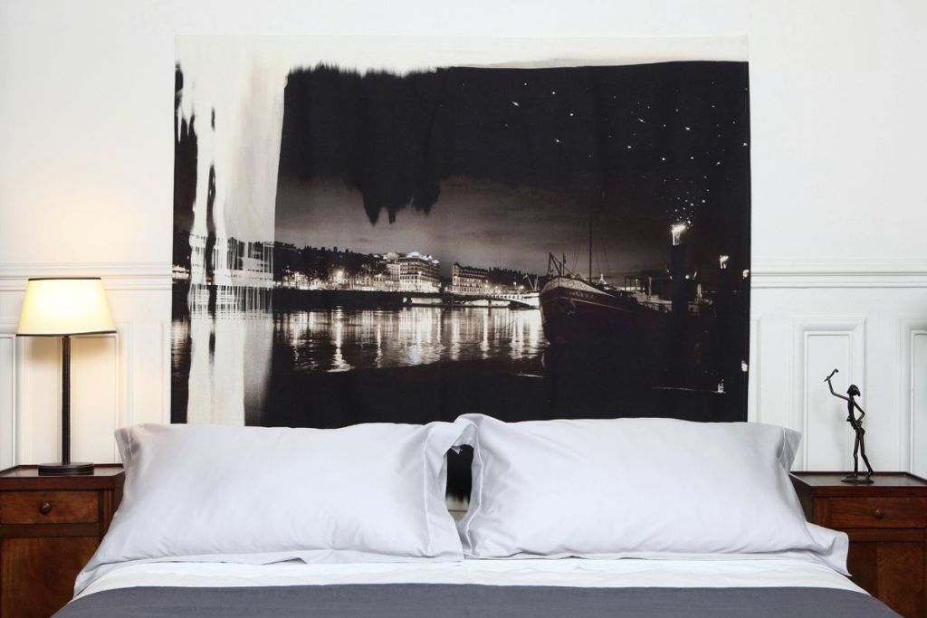 Image of: Candice Olson Upholstered Headboard