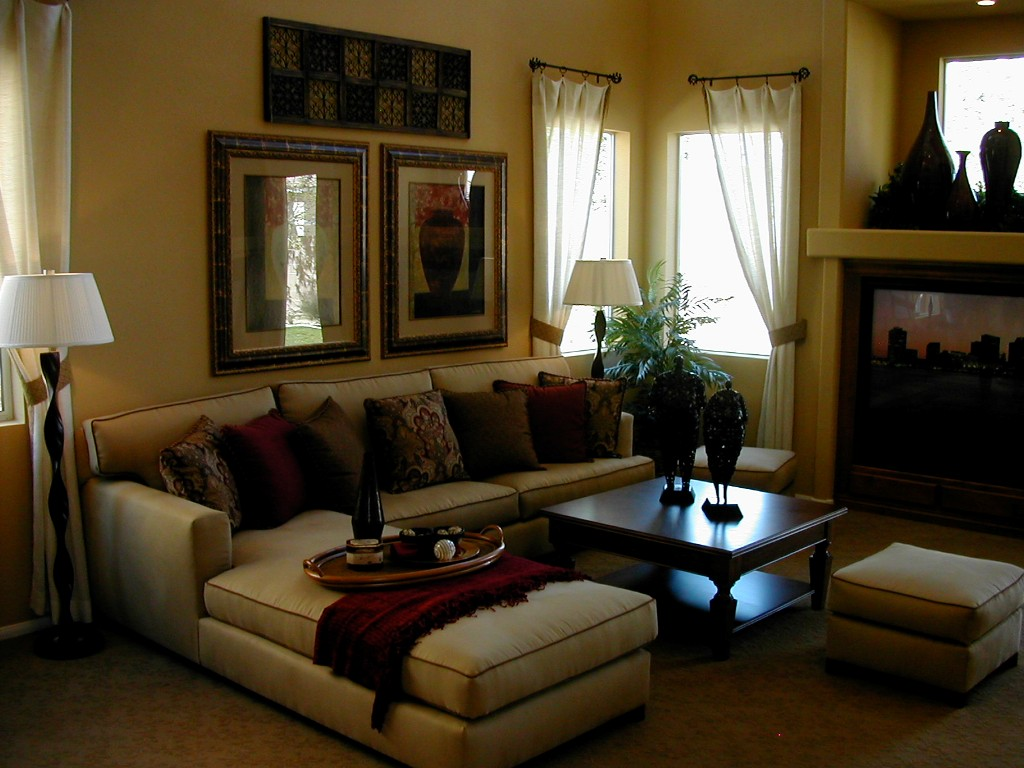 Image of: How To Decorate Living Room With Sectional