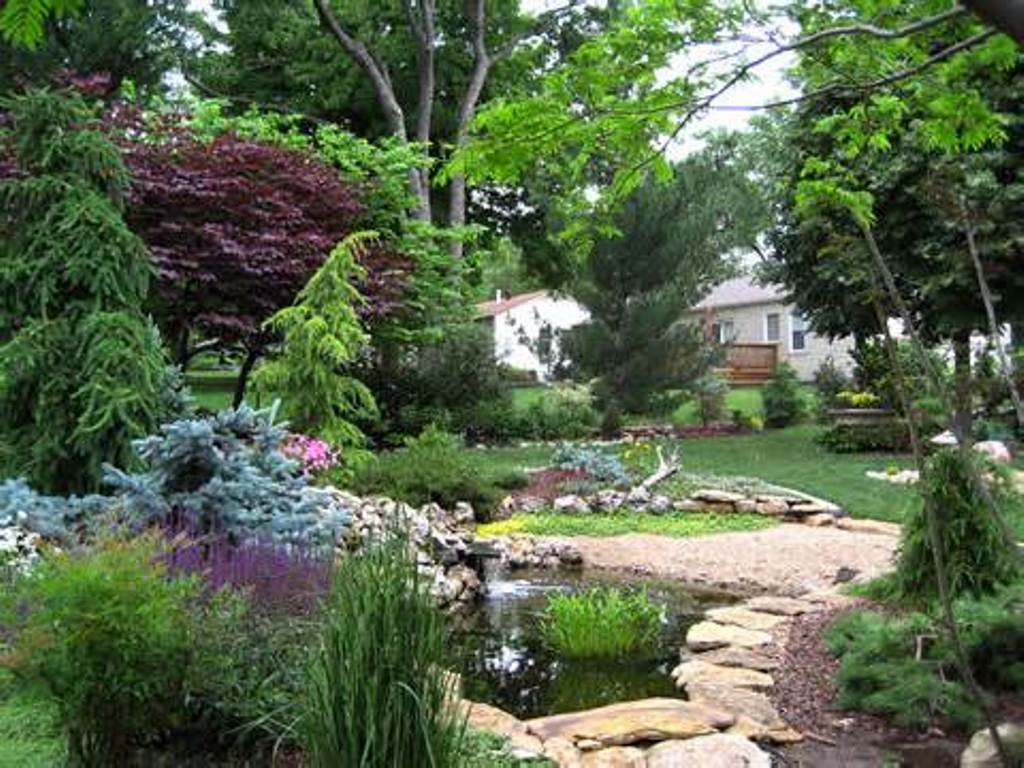 Image of: Natural Garden Designs