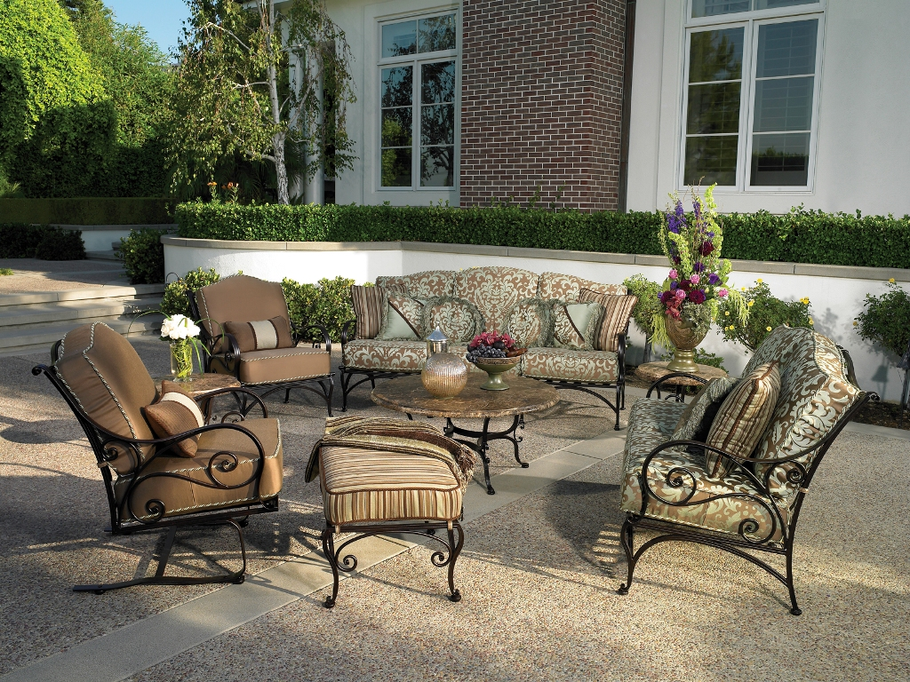 Image of: Outdoor Living Room Dimensions