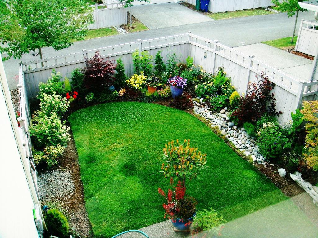 Image of: Small Backyard Ideas Diy