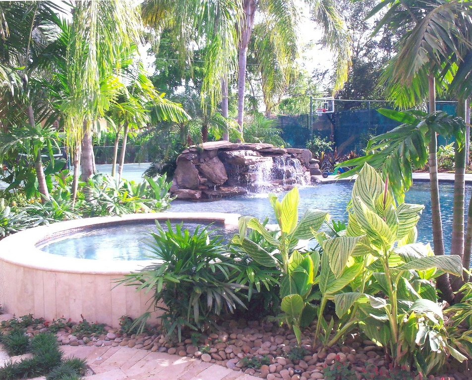 Image of: Tropical Plants Waterfall  Style