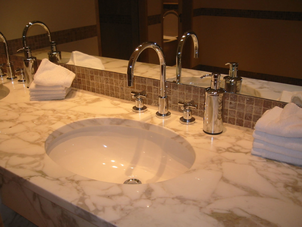 Image of: Bathroom Wash Basin Faucets