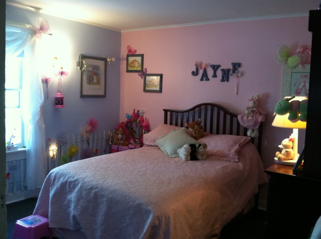 Image of: Blue And Pink Bedroom Set