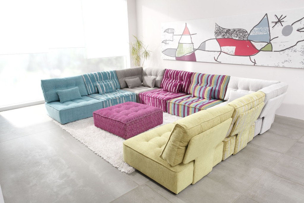 Image of: Modern Modular Sofa For Small Space Living