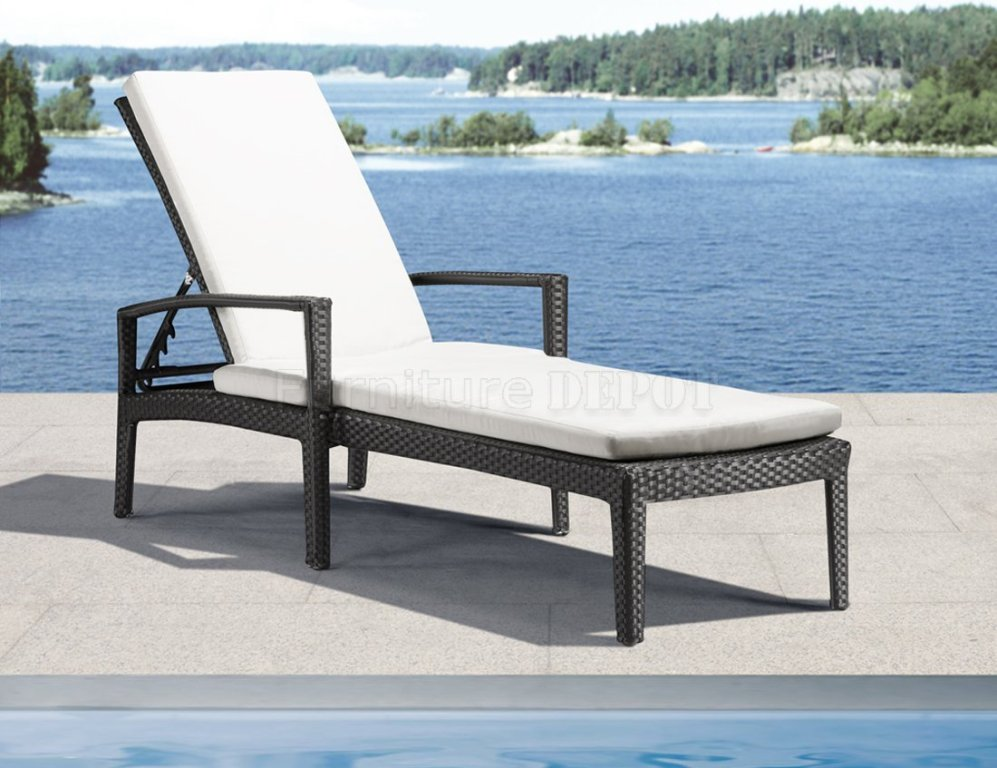 Image of: Outdoor Lounge Chairs Clearance