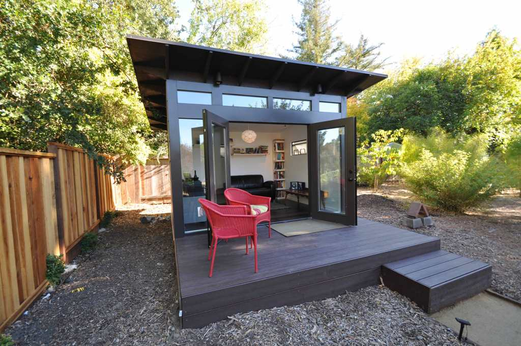 Image of: Black Backyard Home Office Ideas