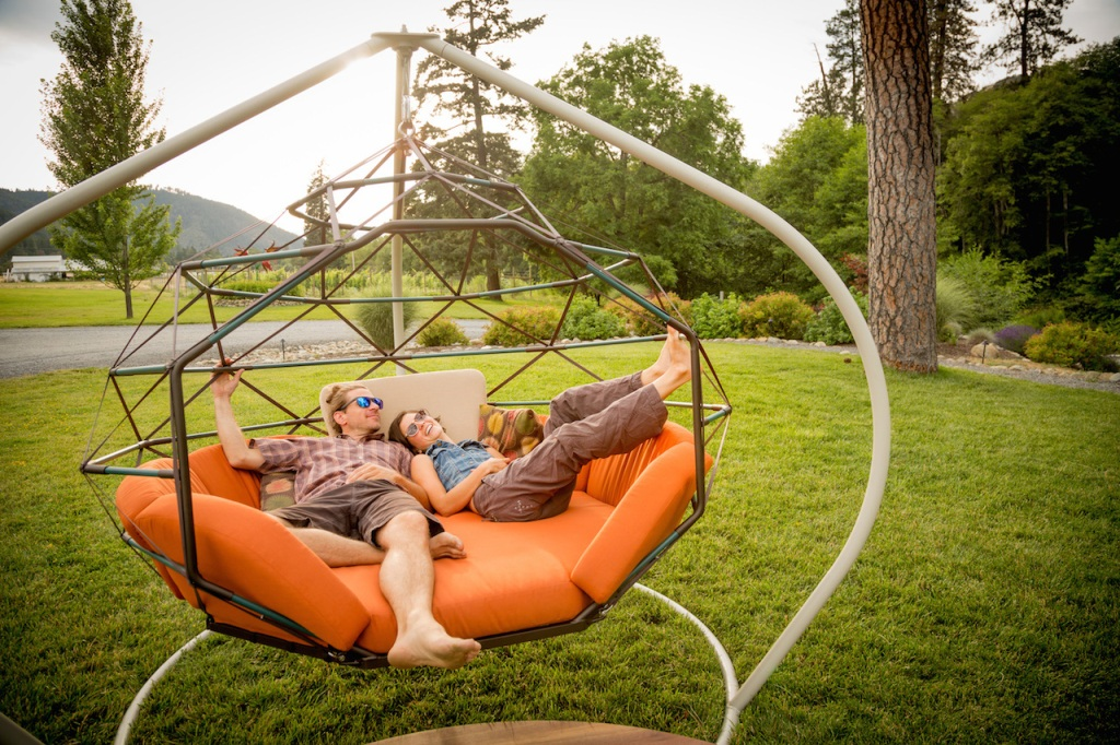 Image of: Hanging Lounger Swing