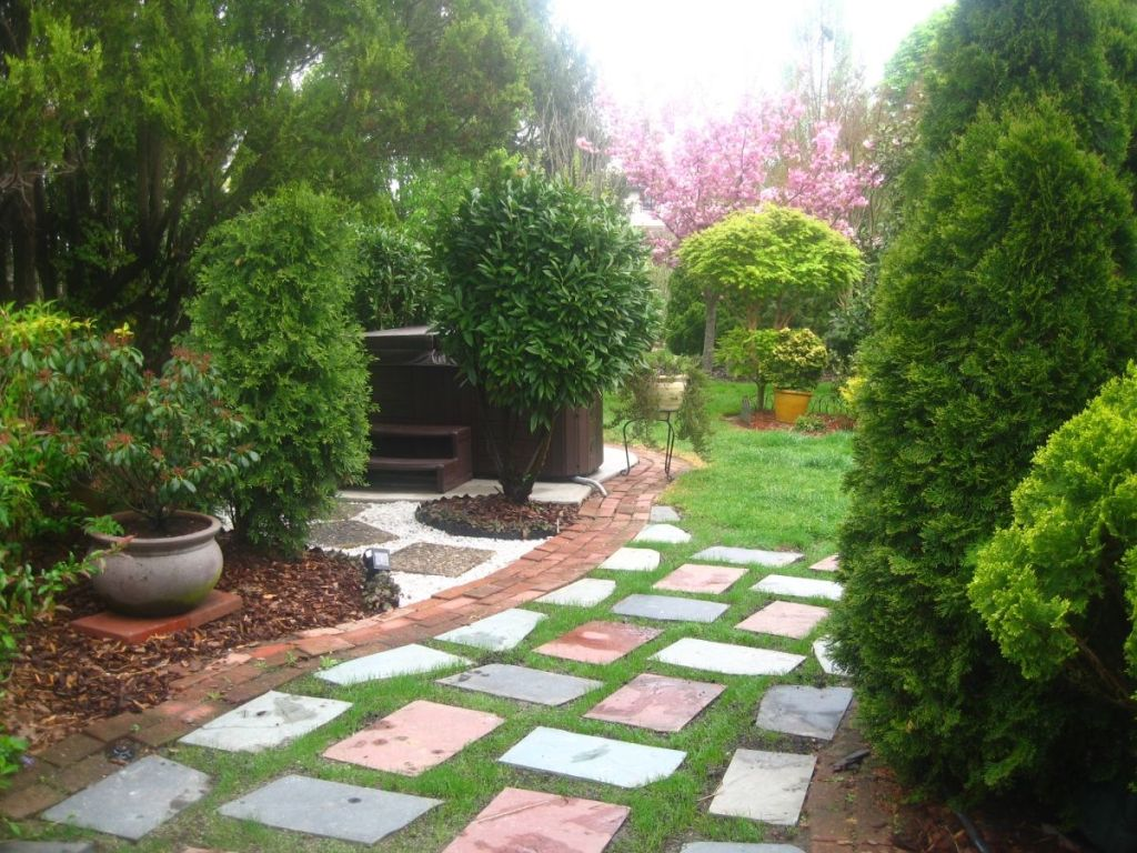 Image of: Japanese Garden Ideas For Small Patio Area