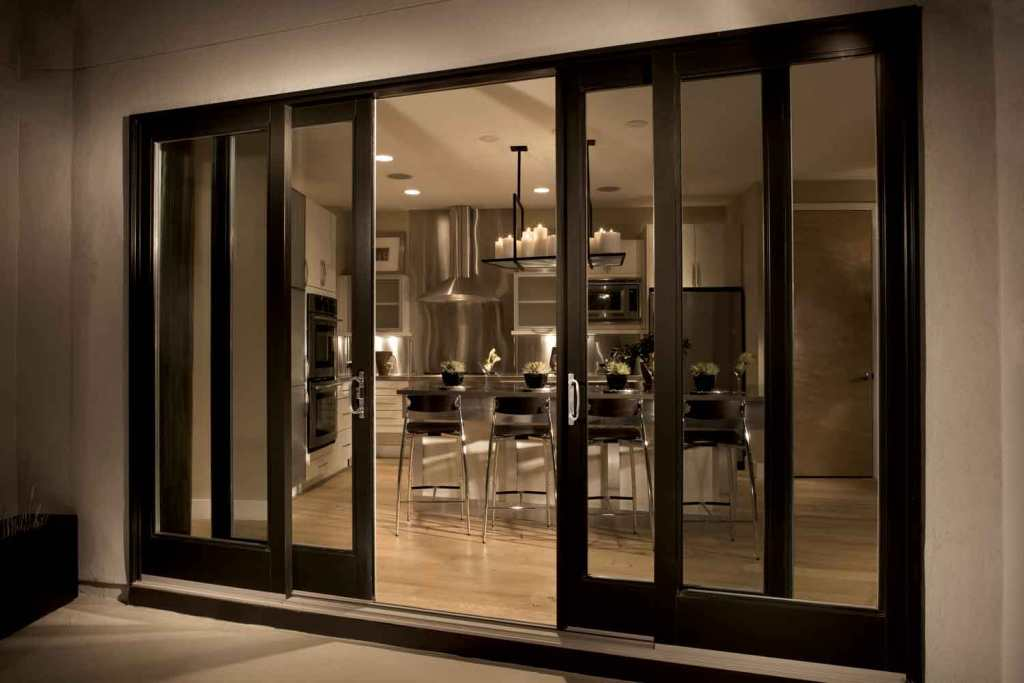 Image of: Kitchen Design With Sliding Doors To Deck