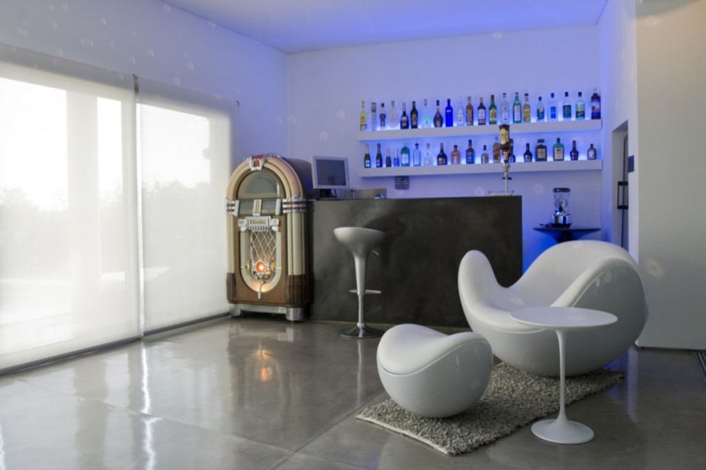 Image of: Modern Home Bars Furniture
