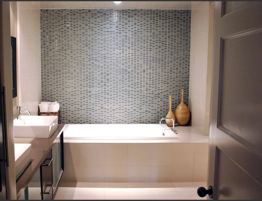 Image of: Tiny Bathroom Ideas Pictures