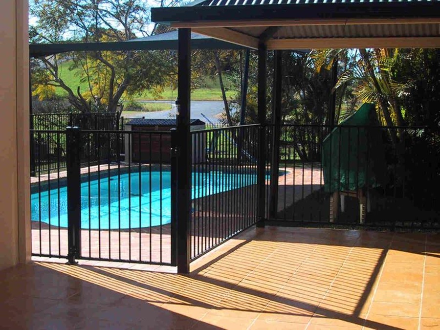 Image of: Aluminium Pool Fencing