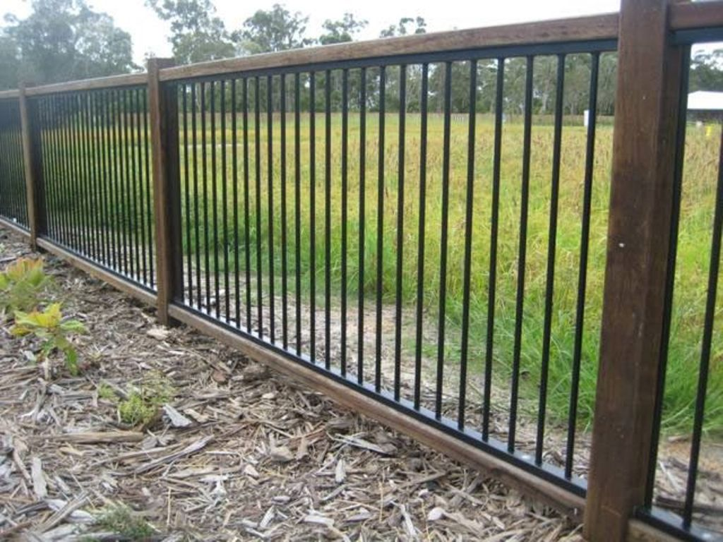 Image of: Aluminum Fencing Deals