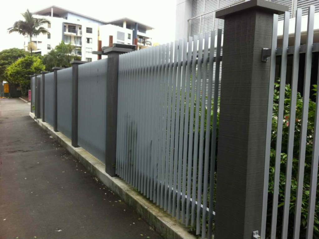 Image of: Aluminum Fencing Ideas