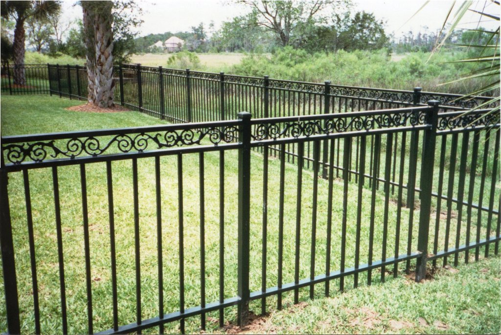 Image of: Aluminum Fencing Prices