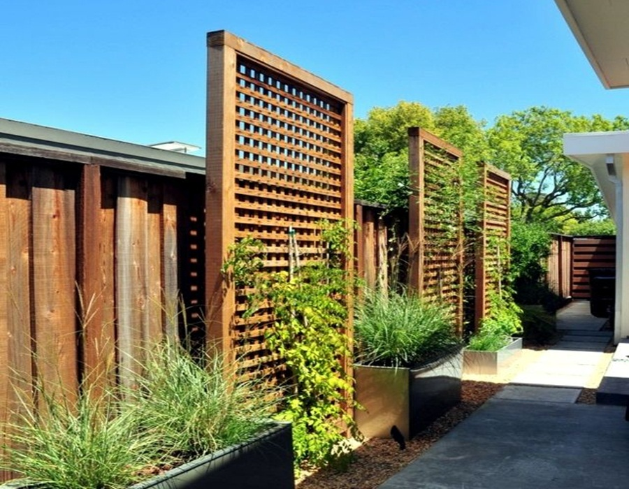 Amazing Free Standing Outdoor Fence