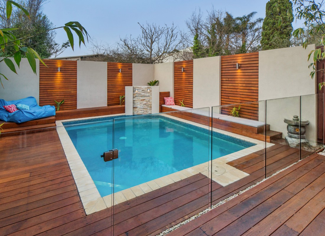 Image of: Awesome Pool Fencing
