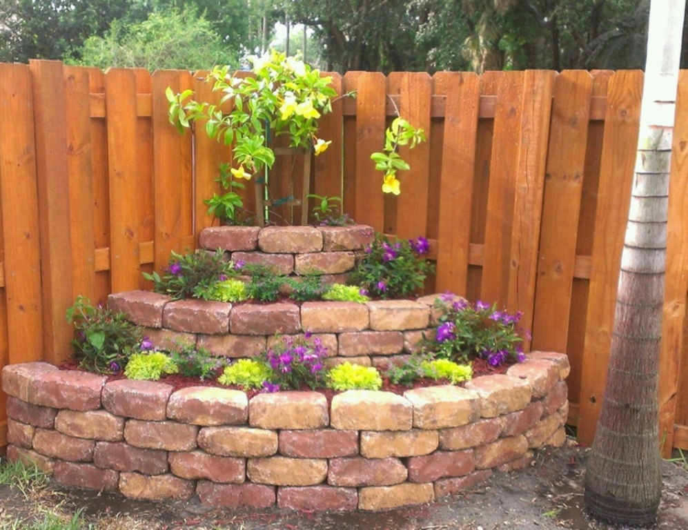 Image of: Backyard Corner Fence Landscaping Ideas Simple