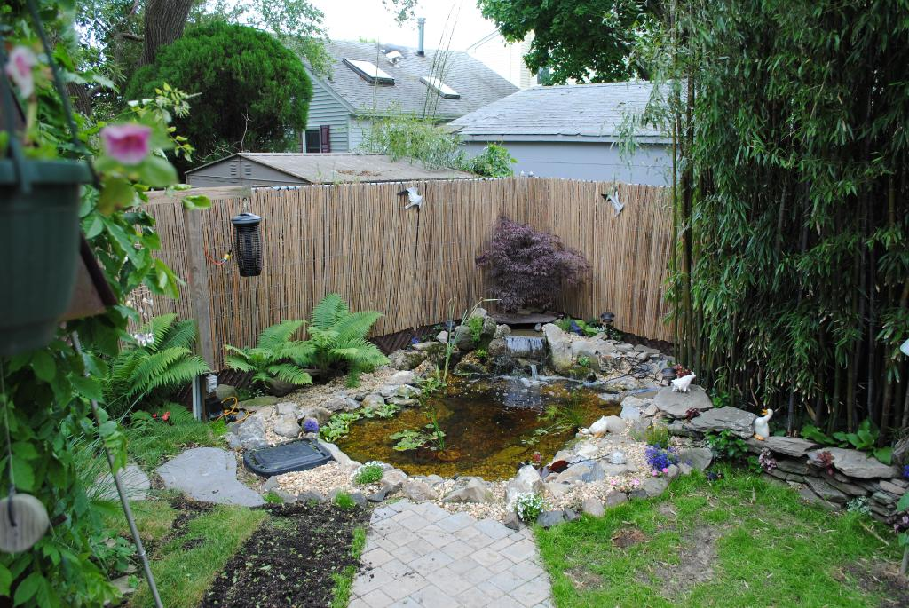 Image of: Bamboo Fencing Rolls Installation