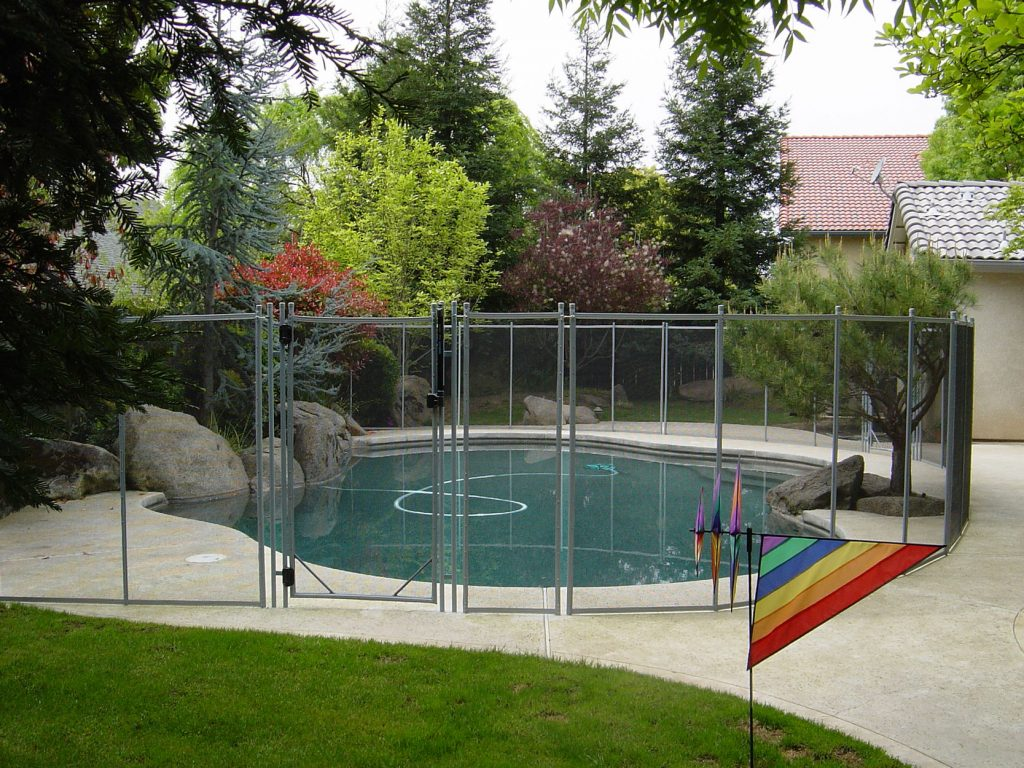 Image of: Best Pool Fencing Ideas