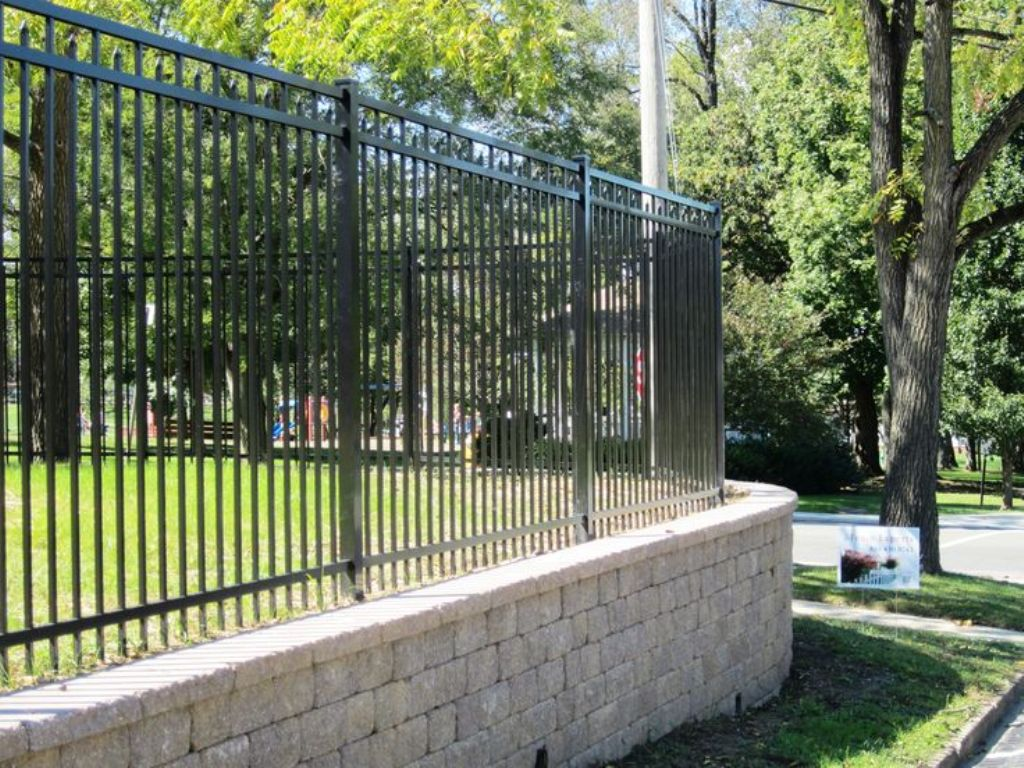 Image of: Outdoor Black Aluminum Fence Maintenance