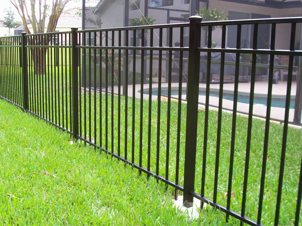Image of: Black Aluminum Fence Posts