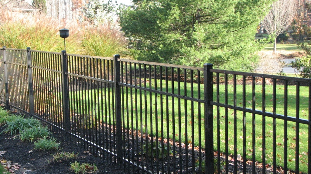 Image of: Black Aluminum Fence Products