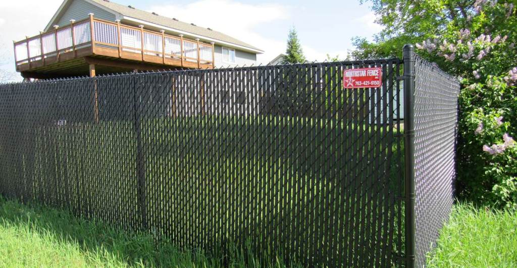Image of: Black Vinyl Fence Pricing