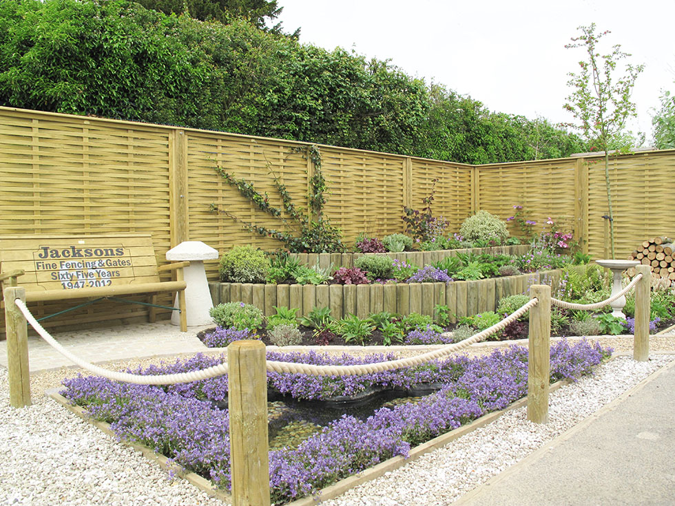 Build Garden Fence Panels