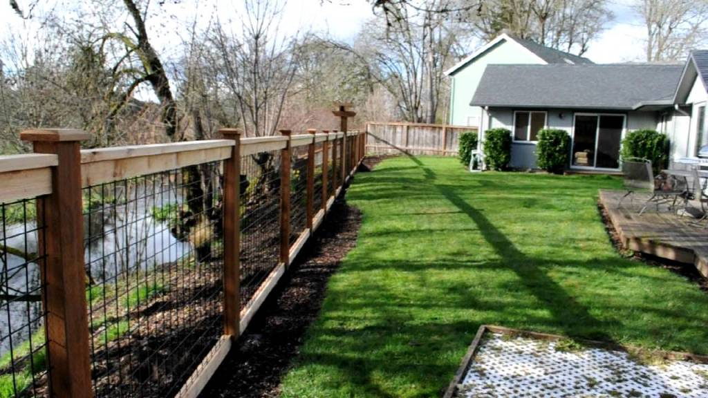 Image of: Building a Hog Wire Fence