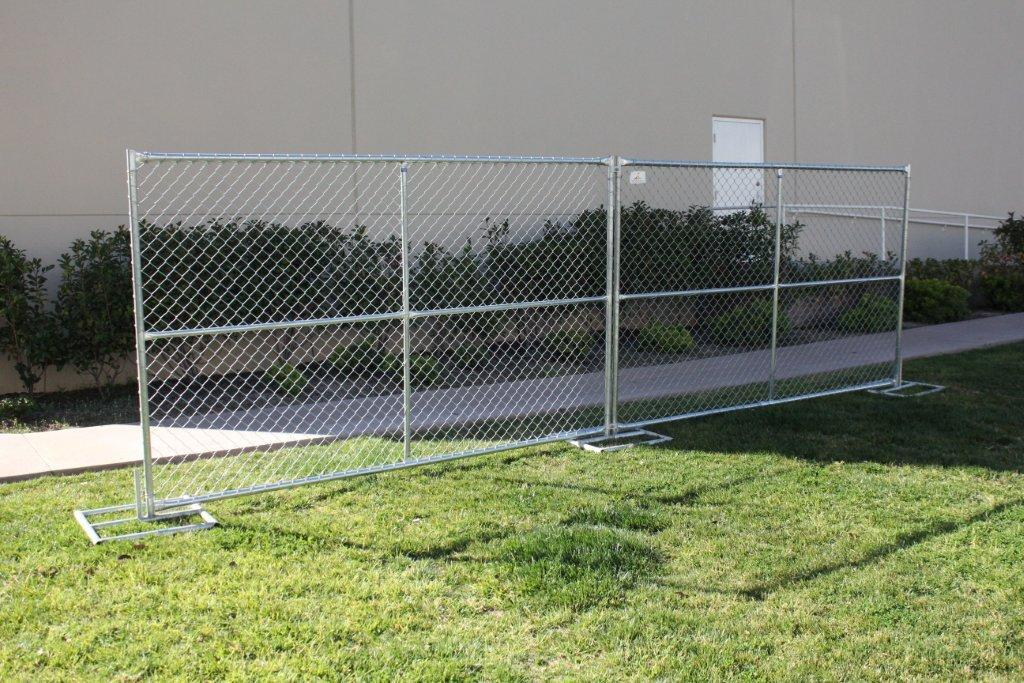 Image of: Chain Link Fence Panels Garden