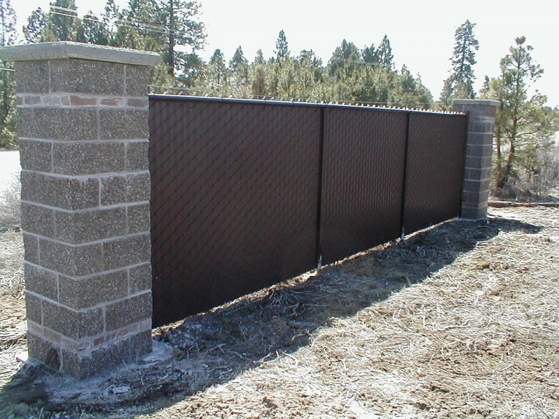 Image of: Chain Link Fence Privacy Slats Ideas