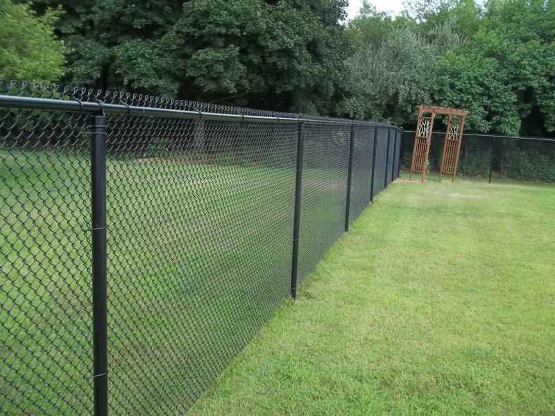 Image of: Chain Link Fencing Install