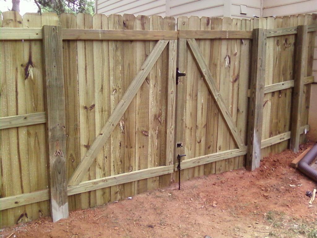 Image of: Cheap How To Build A Fence Gate